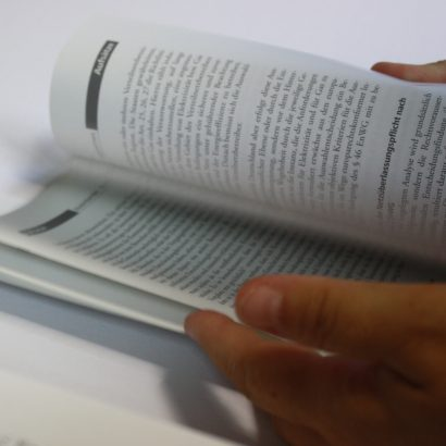 Wir kontrollieren alle Hefte bei der Durchsicht auf Vollständigkeit